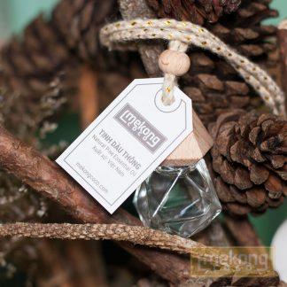 Da Lat pine oil in hanging deodorize bottle